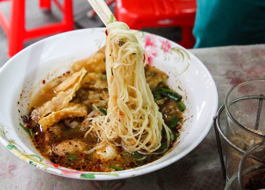 Bangkok Food Part 2: Handmade Fishball Noodle