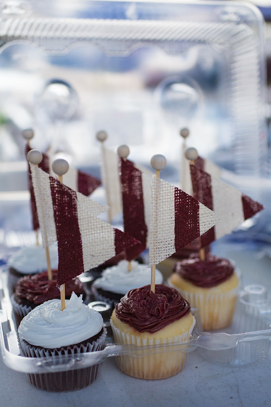 Texas A&M Aggie Cupcakes #wingsandwipes #pmedia #ad