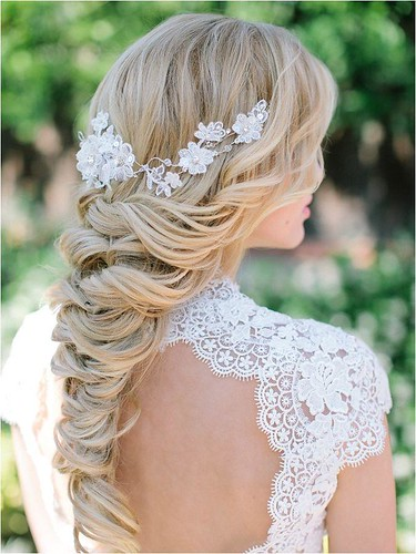 Elegant And Classic Bridal Hairstyles