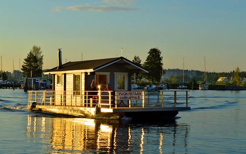 light summer sun sunlight lake reflections suomi evening interesting nikon warm views sunrays sauna kesä waterscape järvi aurinko nikond3200 d3200 järvimaisema floatingsauna