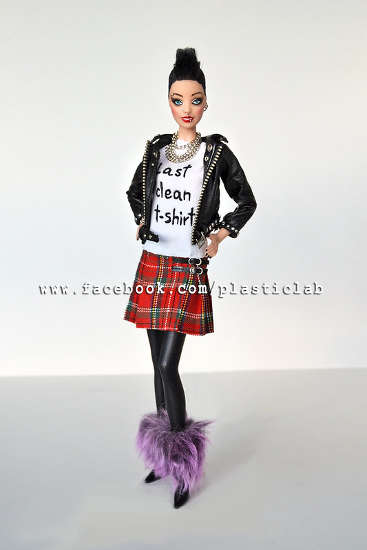 Olvido Sioux. Ooak punk Barbie by Plastic Lab.