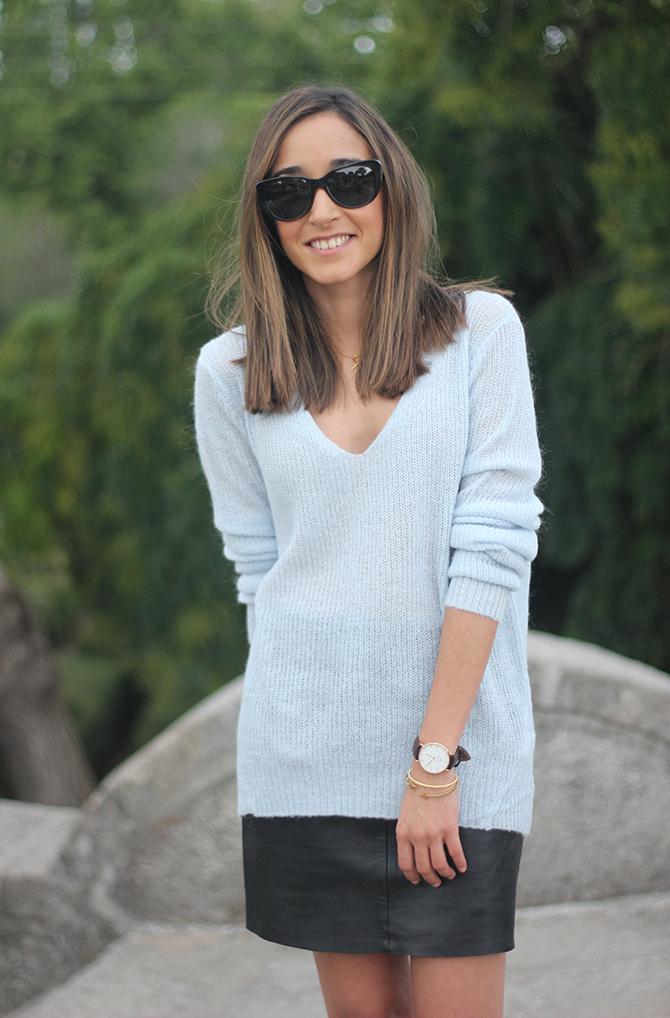blue sweater Besugarandspice13
