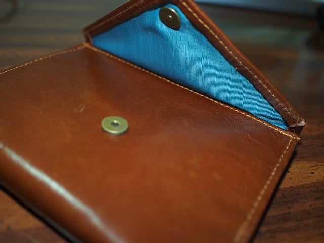 Allett women's leather wallet