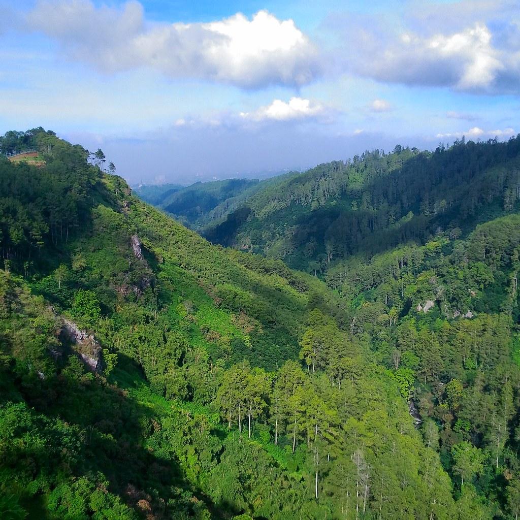 Maribaya Valley from Tebing Keraton