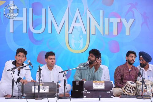 Devotional song by Deepak Anmol and Saathi