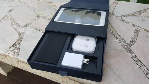 ข้างในกล่อง Zenfone 3 Ultra