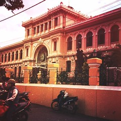 Over-filtering (aka Instagramming) the #Saigon Post Office
