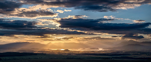sunset panorama landscape scotland rays loch stitched beams lochlomond sunbeams crepuscularrays crepuscular nikonafsvr70300f4556gifed nikond800