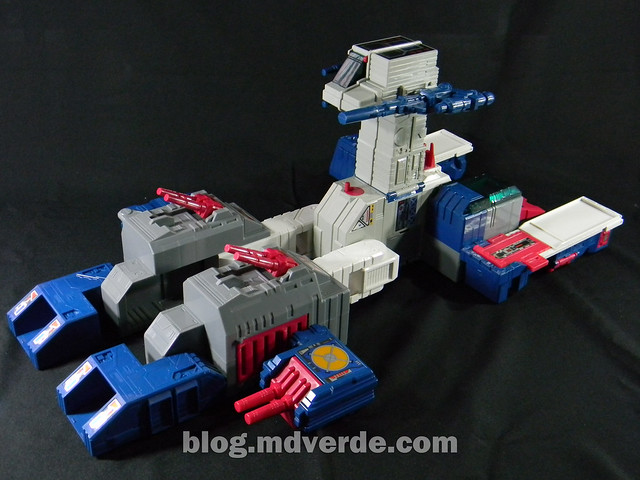 Transformers Fortress Maximus G1 Encore - modo nave