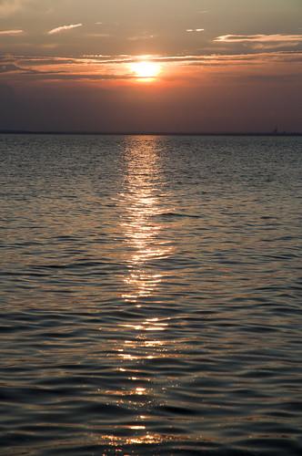 park sunset usa water mom pier nikon wasser unitedstates alabama mother kathy daphne baldwincounty mobilebay 36526 d5000 maydaypark fisherbray jubileecity zip36526