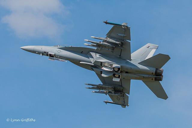 Boeing F-A-18E-F Super Hornet - landing gear retracting NIK_9766.jpg