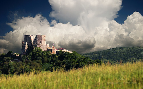 sky cloud castle clouds landscape hungary skies meadow hills fields bakony csesznek