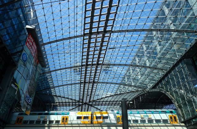 Hauptbahnhof Station 1.36pm