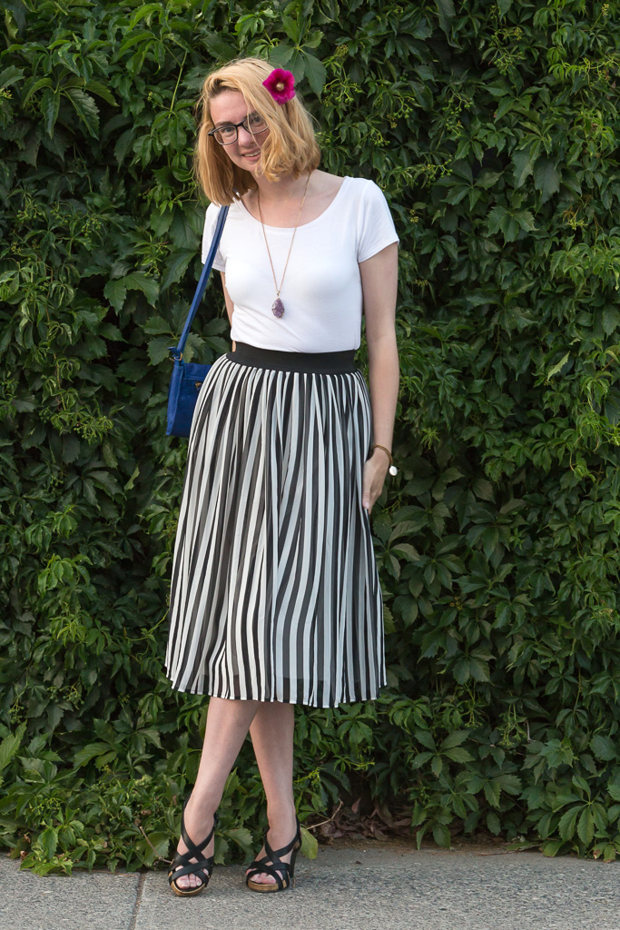 stripes, skirt, white t shirt,never fully dressed, withoutastyle