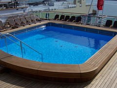 yacht(0.0), leisure(0.0), jacuzzi(0.0), swimming pool(1.0), vehicle(1.0), leisure centre(1.0),
