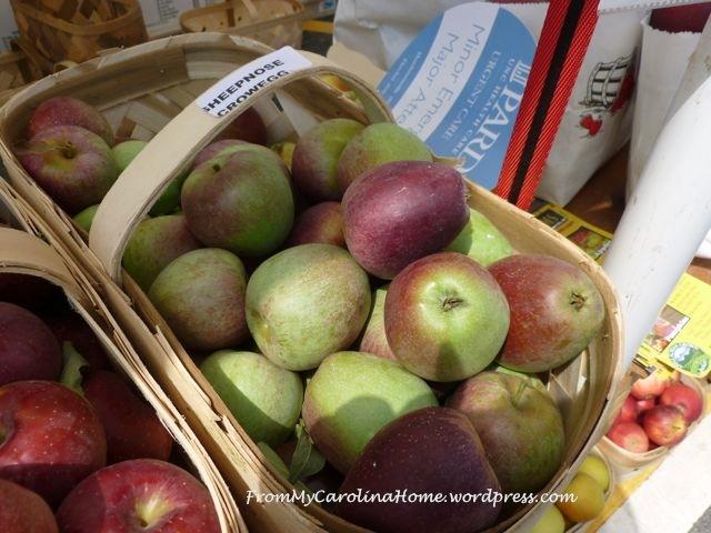 AppleFestival2014- sheepsnose