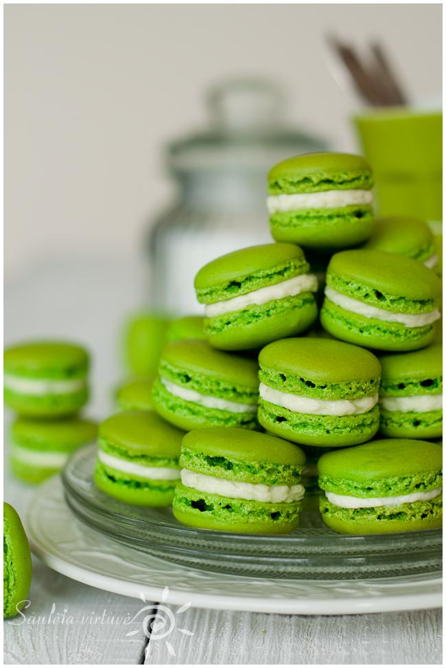 Žali macarons (1)
