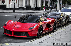 Summer combo ! La Ferrari vs Bugatti Veyron Rembrandt