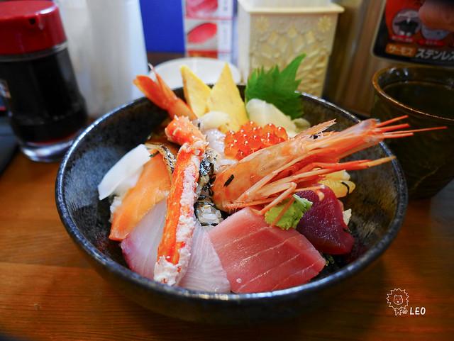 [東京 築地]–開吃吧!美味海鮮丼–築地 海鮮丼 まるきた