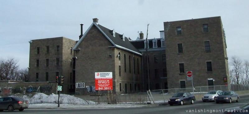 Petites soeurs des pauvres convent panoramic (2010) 2