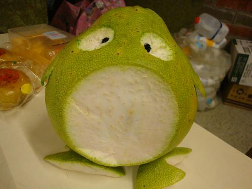 用點創意,柚子搖身一變成為創意擺飾;攝影:蘇盈如。