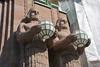 Géants devant la gare d'Helsinki -- Eliel Saarinen