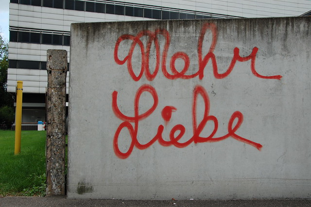 Mehr Liebe - Graffiti