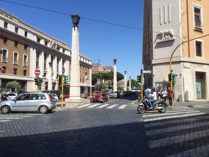 サンタンジェロ城方向へ歩く