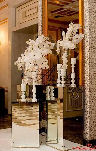 Agenția de organizare a sărbătorilor - «Айлавью» > Orhideele sunt niște flori atât de rafinate și elegante