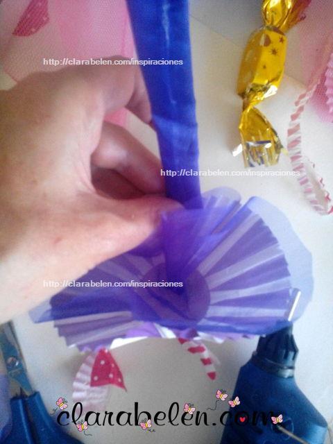 Como hacer un dulcero cesta rapido con moldes de magdalenas