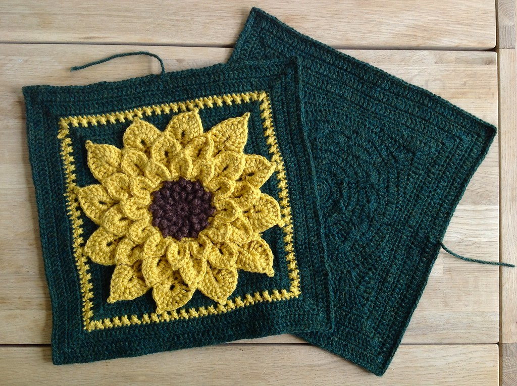 Sunflower Cushion Knitting Pattern : Suvis Crochet: Sunflower Pillow and a Squared Circle
