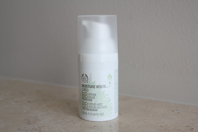 body shop moisture white bb cream review