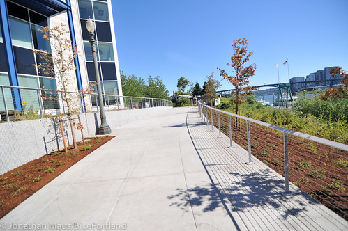 New Eastbank path under Tilikum Bridge -10