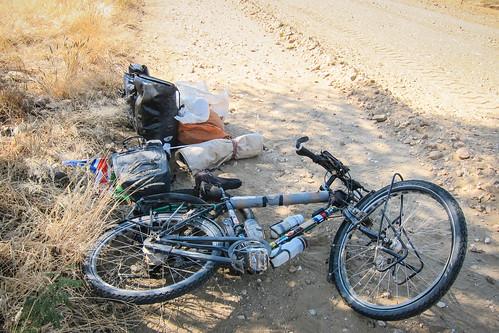 Réparation de pneu sur la route