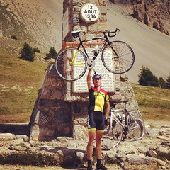 The big mountain is conquered!! #isoHard #tdf #torudefrance #fixedgear #4717 #fixedforum #cinelli #vigorelli#M2 #Mquadro #vittoria #climbing #cinellifamily #mashsf