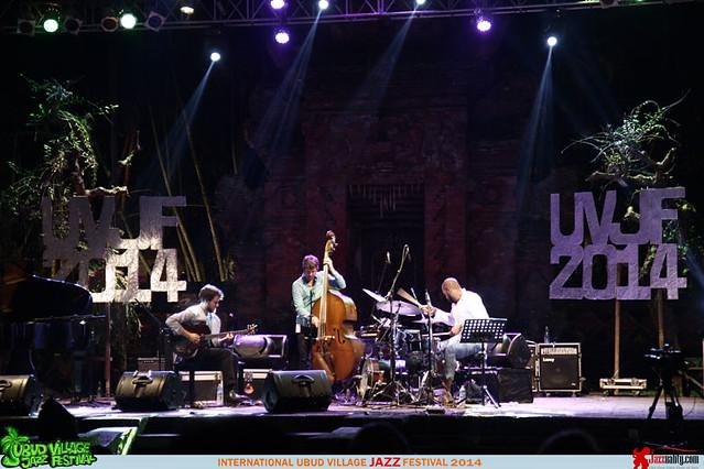 Ubud Village Jazz Festival 2014 - Gilad Hekselman (2)