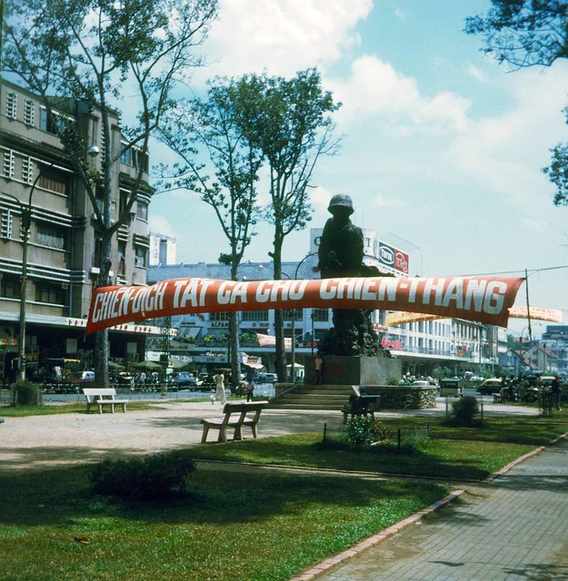 SAIGON 1972 - Lam Son Square
