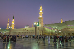 building, tourism, landmark, mecca, evening, mosque, place of worship, city, plaza, tower,