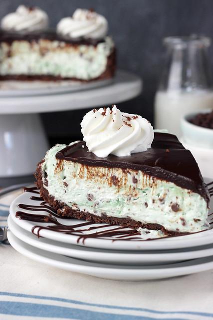 Brownie Brittle Grasshopper Pie   beyondfrosting.com