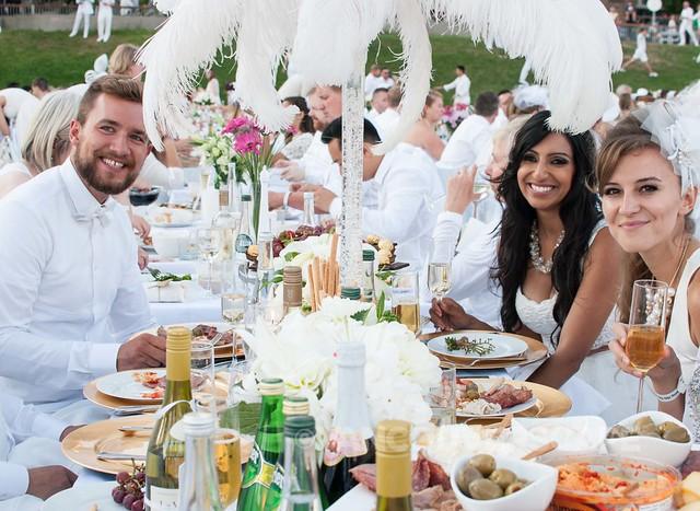 2014 Diner en Blanc Vancouver-15