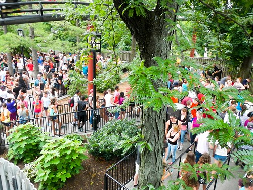Mobs of People at Hershey Park, roller coaster line
