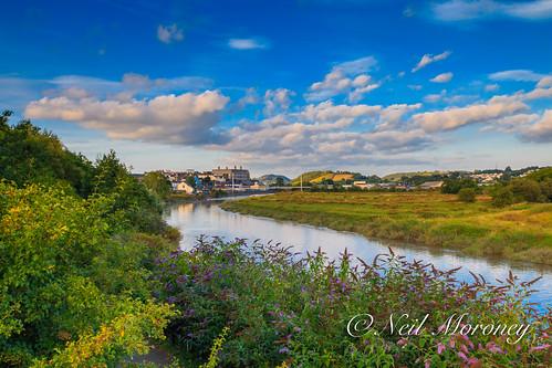 rivertywi rivertowy carmarthen carmarthenshire pontkingmorgan westwales river sunset hill quayside merlinshill countyhall