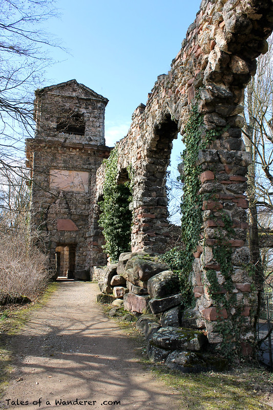 SCHWETZINGEN - Schwetzinger Schlossgarten - Römische Wasserleitung