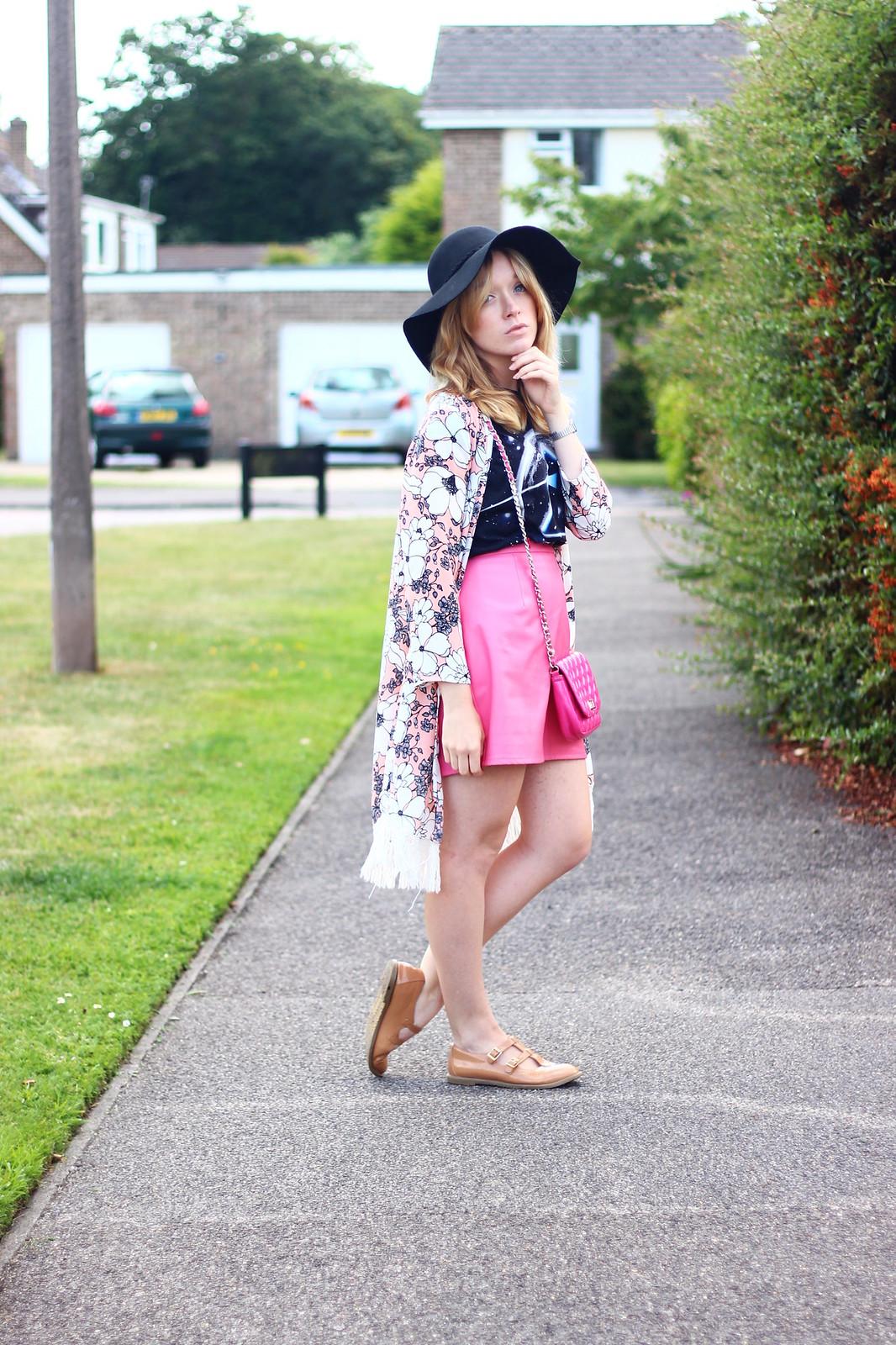 1pinkfloydtee, band tee pink skirt outfit, style, boho