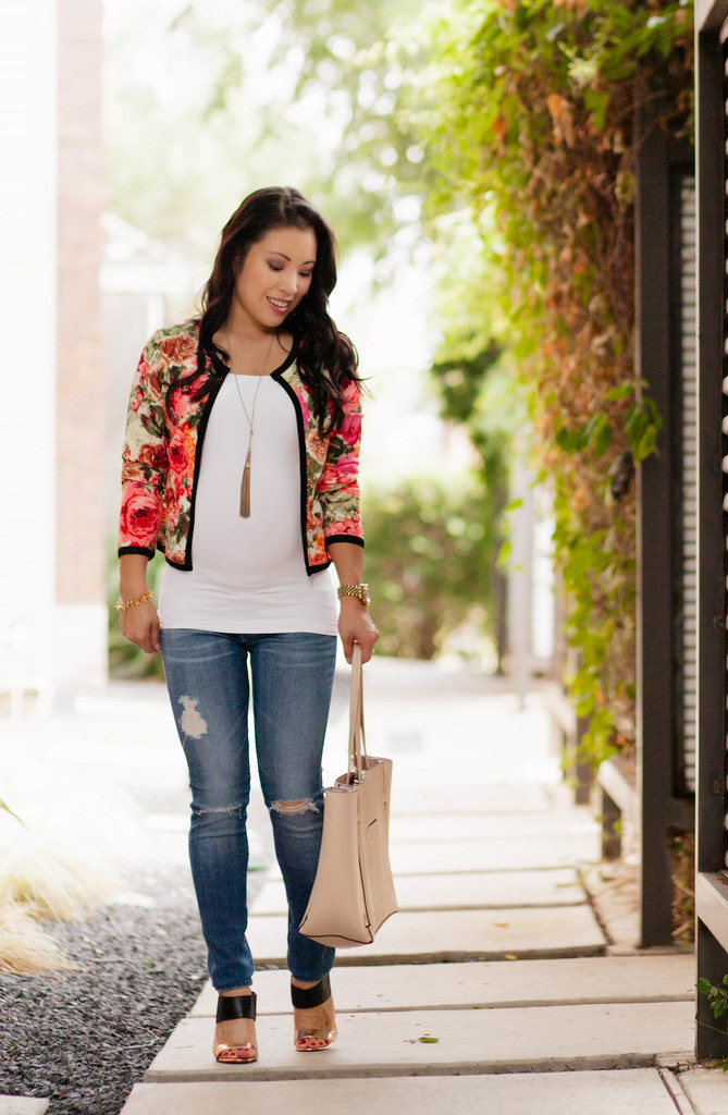 Floral Jacket   Distressed Jeans // 21 Week Bump - cute & little ...