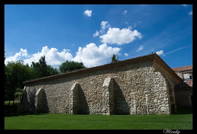 Muros del Monasterio de El Paular