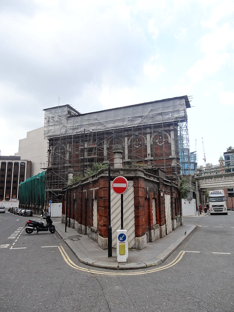 07l - Disused public toilet at Smithfield Market