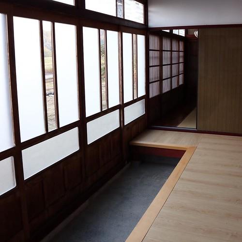 入り口のタタキ、良い感じ。 #なんと #南砺 #富山県