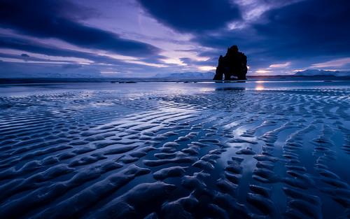 ocean travel sunset sea beach nature silhouette rock stone reflections landscape iceland twilight sand europe northwest cloudy dusk nordic lowtide atlanticocean ísland rockformation halflight northatlanticocean húnafjörður hvítserkur republicoficeland lýðveldiðísland norðurlandvestra northwesternregion húnafjörðurbay