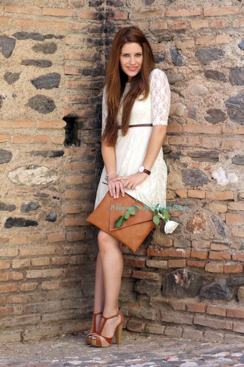 vestido-encajes-blanco-primavera-verano-clutch-pull-and-bear-HEELSANDROSES-(2)